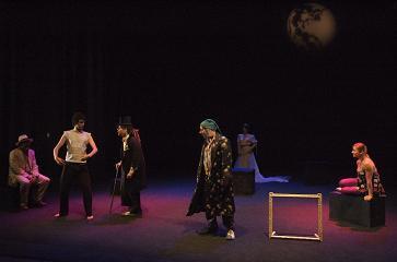 La compañía profesional Z Teatro de Coria, que dirige Javier Uriarte, representará la obra titulada Mundos