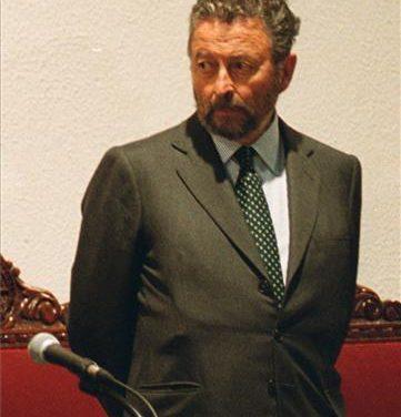 Muere a los 92 años el exministro de Defensa, el extremeño Alberto Oliart