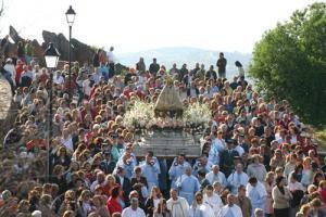 El archivo de la Real Cofradía Virgen de la Montaña se catalogará gracias a la UEx y Fundación Valhondo