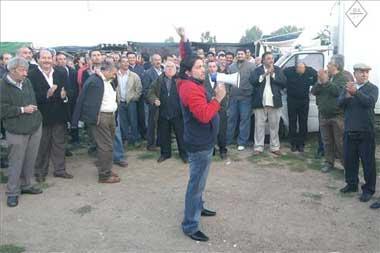 Los vendedores ambulantes de Badajoz saldrán a la calle el día 30 en protesta por el nuevo mercadillo
