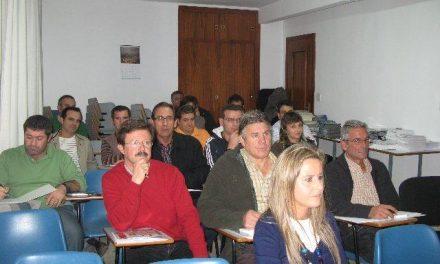 Una treintena de autonómos de Moraleja y comarca participa en una jornada informativa de la FEC