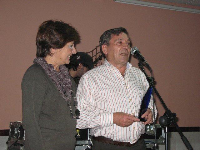 La asociación Rivera de Gata entrega los premios 2009 a Cerrajería Fuentes y a María Luisa Zamarreño