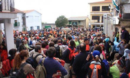 """Más de 1.000 senderistas participan en la ruta """"Bosques del Ambroz"""" del Otoño Mágico 2009"""