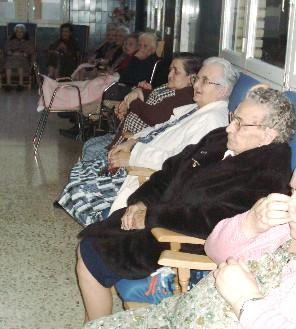 Los mayores que residen en Cáceres reclaman residencias, urinarios públicos y autobuses gratis