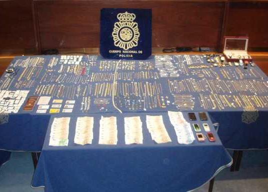 La Policía Nacional desarticula una banda que robó joyas valoradas en 100.000 euros