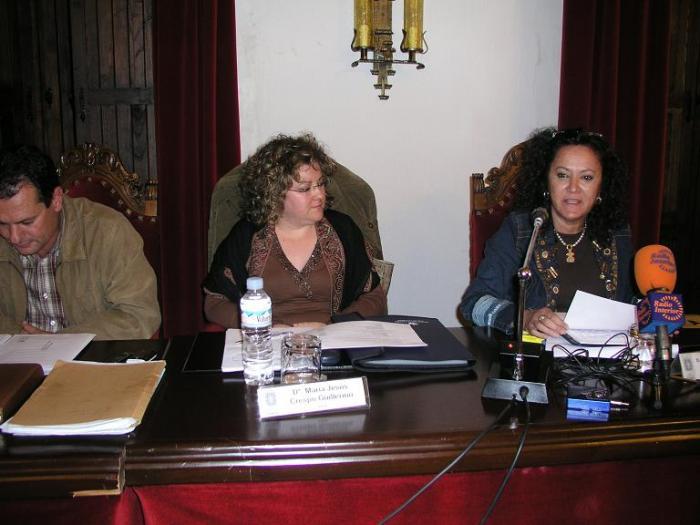 El pleno acuerda nombrar a Cándida Delgado Díaz Abanderada de las Fiestas de San Juan 2008 de Coria