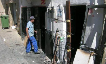 Un ataque con gasolina origina un incendio de madrugada en una vivienda de un vecino de Cilleros