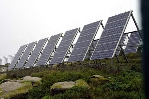 Extremadura cuenta ya con una veintena de plantas solares en marcha y otras 600 en fase de estudio