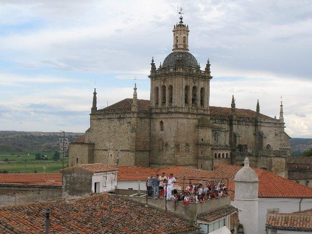 La Diócesis de Coria-Cáceres crea una comisión de tiempo libre con diferentes instituciones diocesanas