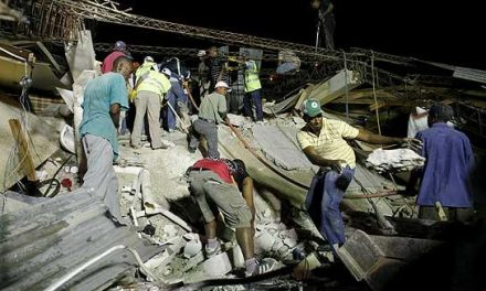 Más de 30 voluntarios extremeños de Cruz roja atienden la línea 902 de colaboración para Haití