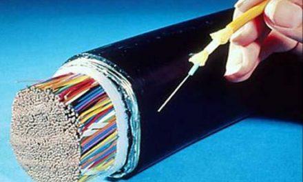 La Junta destinará 17 millones de euros para extender la fibra óptica en polígonos industriales