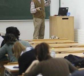 FETE-UGT Extremadura pide la renovación del profesorado extremeño, con una edad de más de 40 años