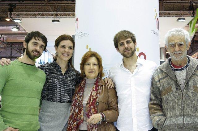 La candidatura de Cáceres 2016 expone sus fortalezas en Fitur arropada por sus embajadores