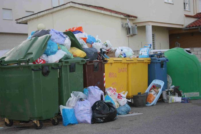 El PSOE acusa al equipo de Gobierno de cometer una ilegalidad en la adjudicación del servicio de basura