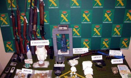 La Guardia Civil de Badajoz detuvo el año pasado a 162 personas por tráfico de drogas en la provincia