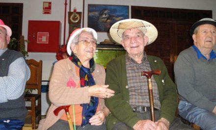 Los mayores de la residencia San Martín de Porres de Miajadas celebran el Carnaval y San Valentín