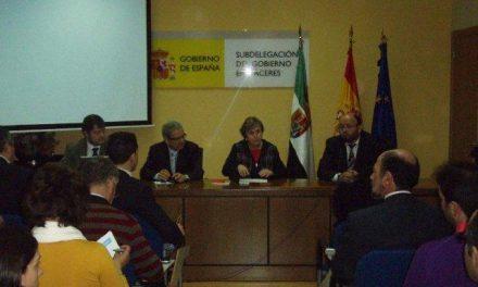 La Secretaria General de Empleo presenta en Cáceres la web de Redtrabaj@ a los agentes de empleo