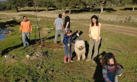 Ecologistas en Acción finaliza la campaña de siembras en la zona del Pilar Viejo de la población de Monesterio