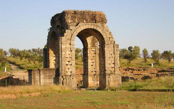 El entorno de las ruinas de Cáparra será escenario en mayo de una gran fiesta romana