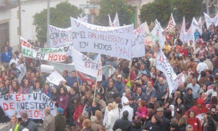 """La Plataforma """"IES en Hoyos Ya"""" ultima los preparativos para la manifestación en Mérida de este jueves"""