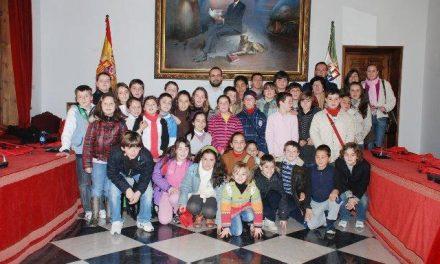 40 estudiantes de Montánchez visitan la Diputación de Cáceres para conocer su funcionamiento