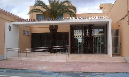 El Ampa del C. P. Cervantes de Moraleja recoge firmas para solicitar un pediatra fijo para el centro médico