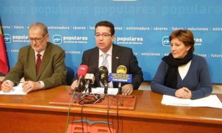Jaime Vilella defiende su comparecencia en la sede del PP en Cáceres como un acto del equipo de Gobierno