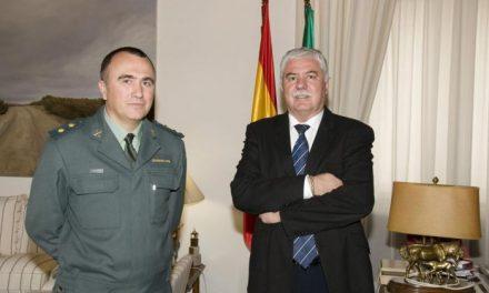 El nuevo Coronel de la Guardia Civil, Gabriel Domínguez, se reúne con el presidente de la Diputación