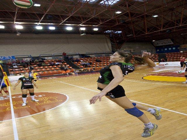 La moralejana Alba Sánchez logra con el U. Burgos el subcampeonato de la Copa de la Reina de Voleibol
