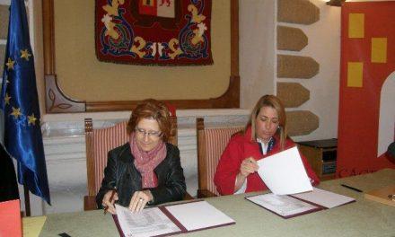 El consorcio Cáceres 2016 y el Ayuntamiento de Trujillo firman un convenio para promocionar la candidatura