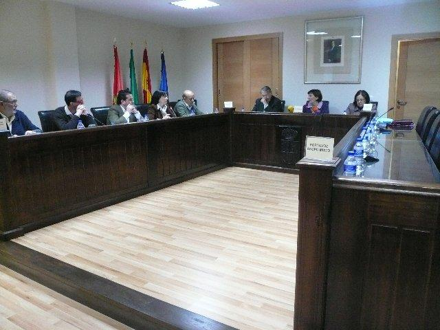 La alcaldesa de Moraleja teme por su integridad física en un pleno desarrollado con la ausencia del PSOE
