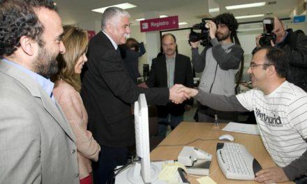 La Diputación de Cáceres entrega en la Subdelegación del Gobierno las alegaciones contra la instalación del ATC