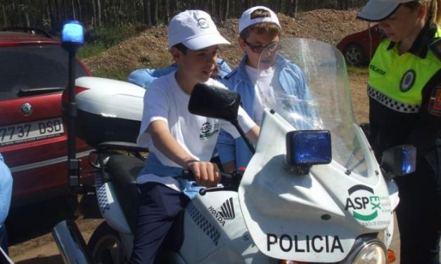 Decenas de escolares pacenses participan en las actividades de la Academia de Sguridad Pública