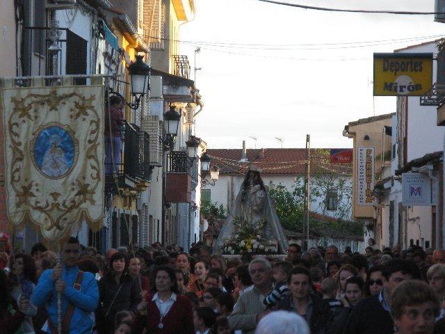La localidad de Moraleja se vuelca un año más en el recibimiento a su patrona con multitud de personas