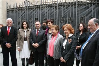 La ministra de Cultura visita las obras de la futura sede del centro de artes visuales Helga de Alvear en Cáceres