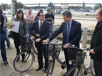 Las ciudades de Don Benito y Villanueva de la Serena han estrenado el sistema público de alquiler de bicicletas