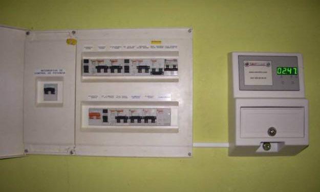 EmdeCoria y CHC facilitarán el pago fraccionado de la factura de la luz llegada en abril con meses de demora