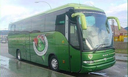 La afición del Cacereño completa un autobús y va camino del segundo de cara al próximo partido en Gijón