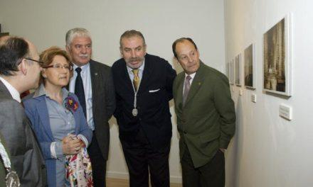 La Sala Pintores de Cáceres acoge hasta el día 28 una muestra de sellos sobre fiestas populares