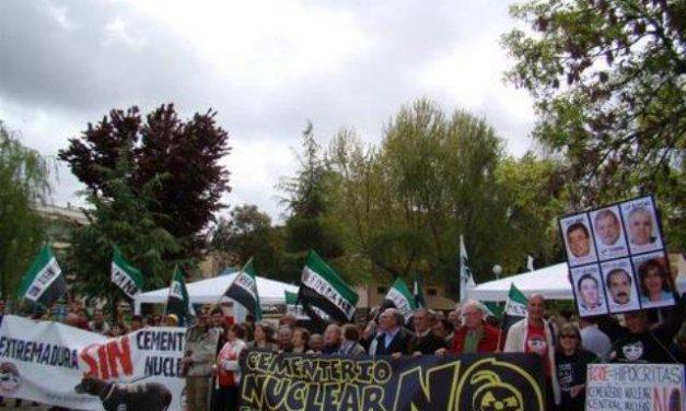 La Plataforma Anti-Cementerio Nuclear extremeña se une al resto de plataformas españolas