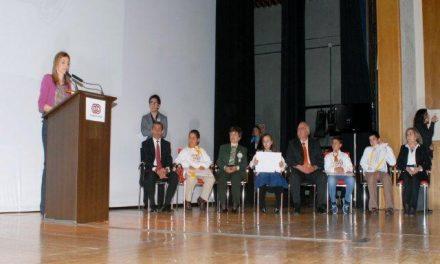 La princesa de Asturias entrega a un colegio de Navalmoral un galardón de la Fundación ONCE