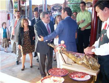Extremadura está trabajando con Andalucía y el MARM para modificar la norma de calidad del ibérico