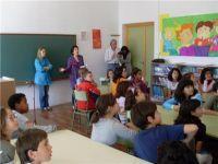 Los alumnos de Llerena disfrutan ya de la biblioteca escolar después de su inauguración