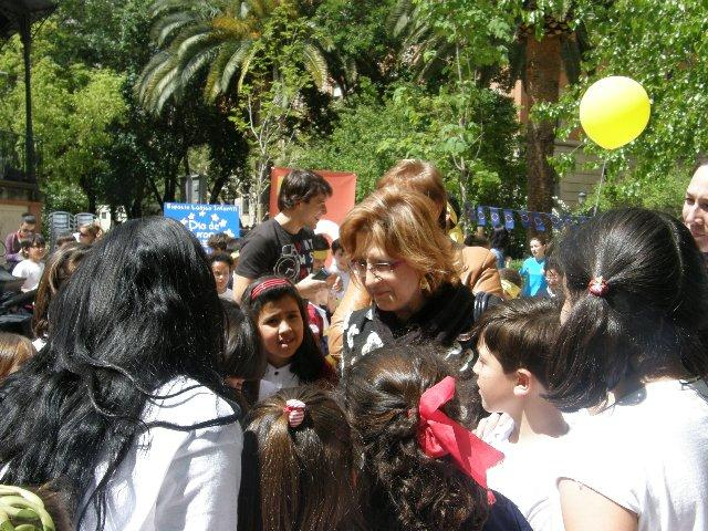Heras fomenta el sentimiento europeo entre los niños en un acto llevado a cabo en Cáceres