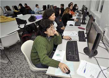 Educación convoca casi 300 plazas para la formación en el extranjero de docentes, becadas con hasta 2.500 €