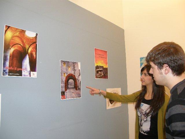 """El Palacio de la Isla acoge hasta el día 30 la exposición """"Apoyo a Cáceres 2016"""" de los alumnos de Turismo"""
