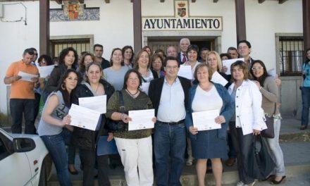 """Tovar clausura en el Ambroz los cursos del proyecto Isla de """"Atención Sociosanitaria"""" y """"Transporte Sanitario"""""""