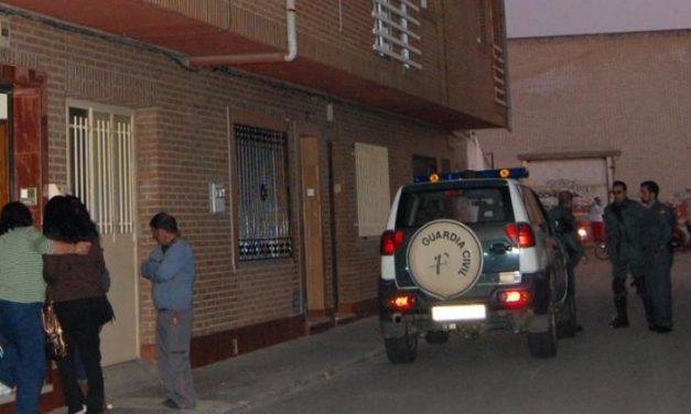 La Guardia Civil detiene tras una persecución de cine por Moraleja a dos jóvenes por realizar disparos al aire