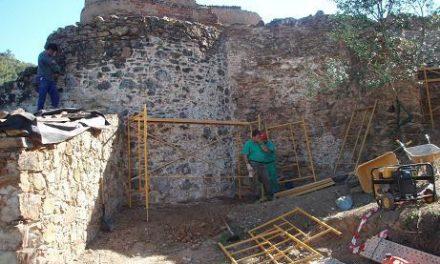 El Ayuntamiento de Aliseda inicia los trabajos de rehabilitación de tres fuentes y un molino antiguo