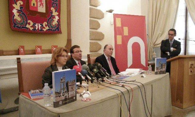 """El Consorcio Cáceres 2016 presenta en la ciudad el libro """"Cáceres, Patrimonio de la Humanidad"""""""